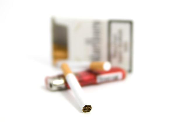 cigarette-1126804_1920
